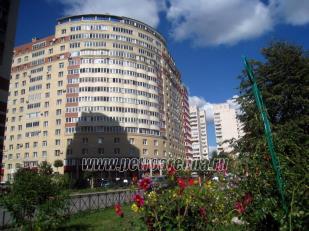 сдам 3-комнатную квартиру у метро Приморская